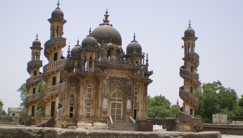 Visit Ahmedabad To Explore Gujarati Culture and Cuisines and The Sabarmati Ashram