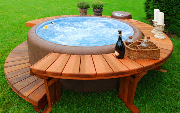 magnificent-soaking-wooden-hot-tubs-4iwCM