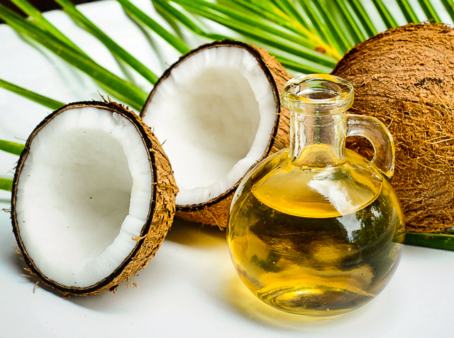 7 Natural Beauty and Skin Care Benefits Of Coconut Oil