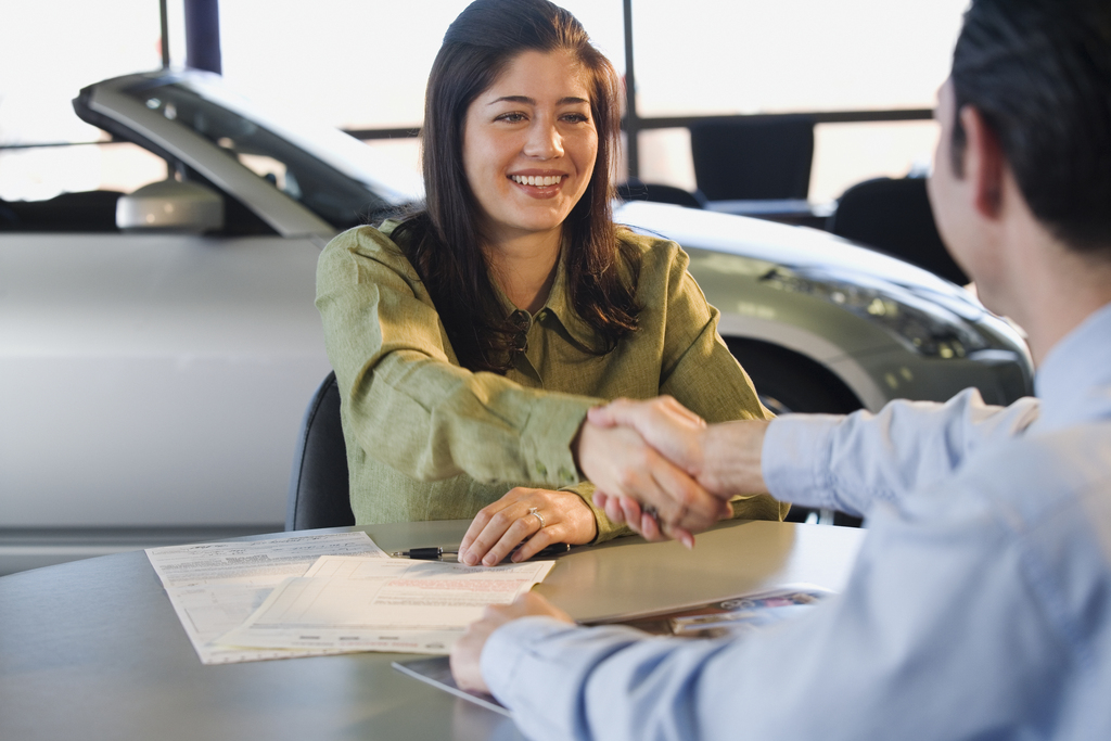 How Choosing The Right Car Dealership Can Save You Money and Time
