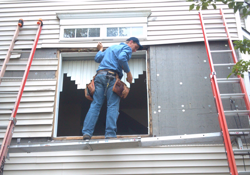When You Need A Window or Mirror Replaced or Repaired, Don't Try To Do It Yourself