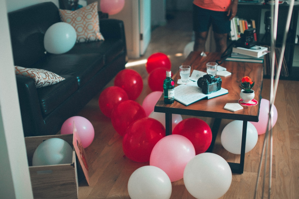 how to throw a party without