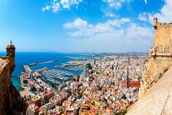 Plan A Romantic Espanol Getaway: Honeymoon In Spain