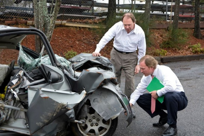 5 WAYS AN AUTO ACCIDENT LAWYER CAN HELP YOU AFTER AN ACCIDENT