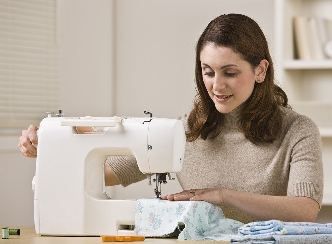 What To Bear In Mind While Buying Sewing Machine?