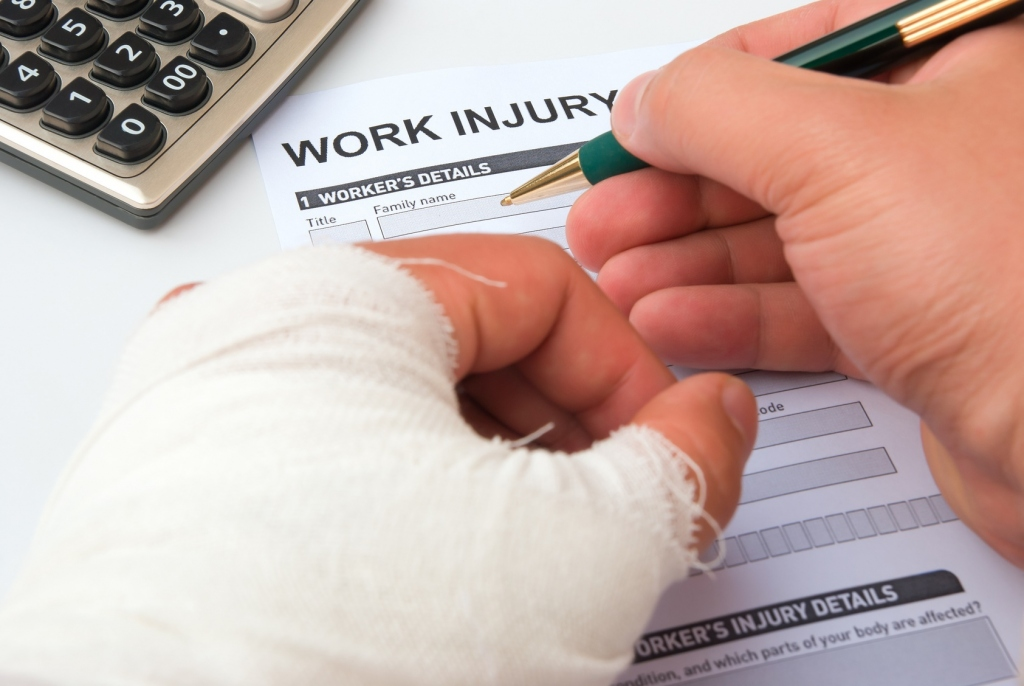 How Can An Employer Lawyer Help In Work Compensation